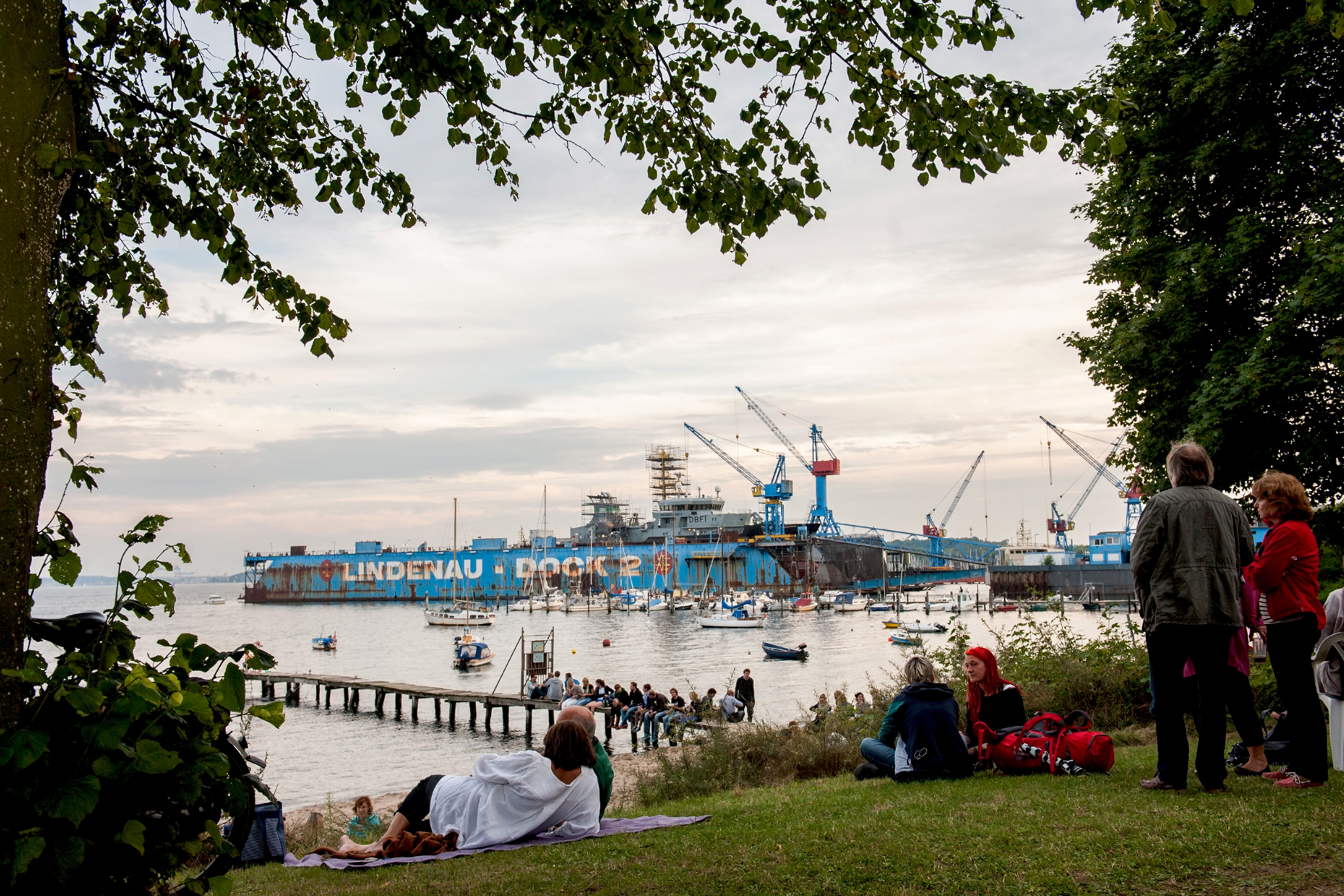 Festival am kleinen Strand.