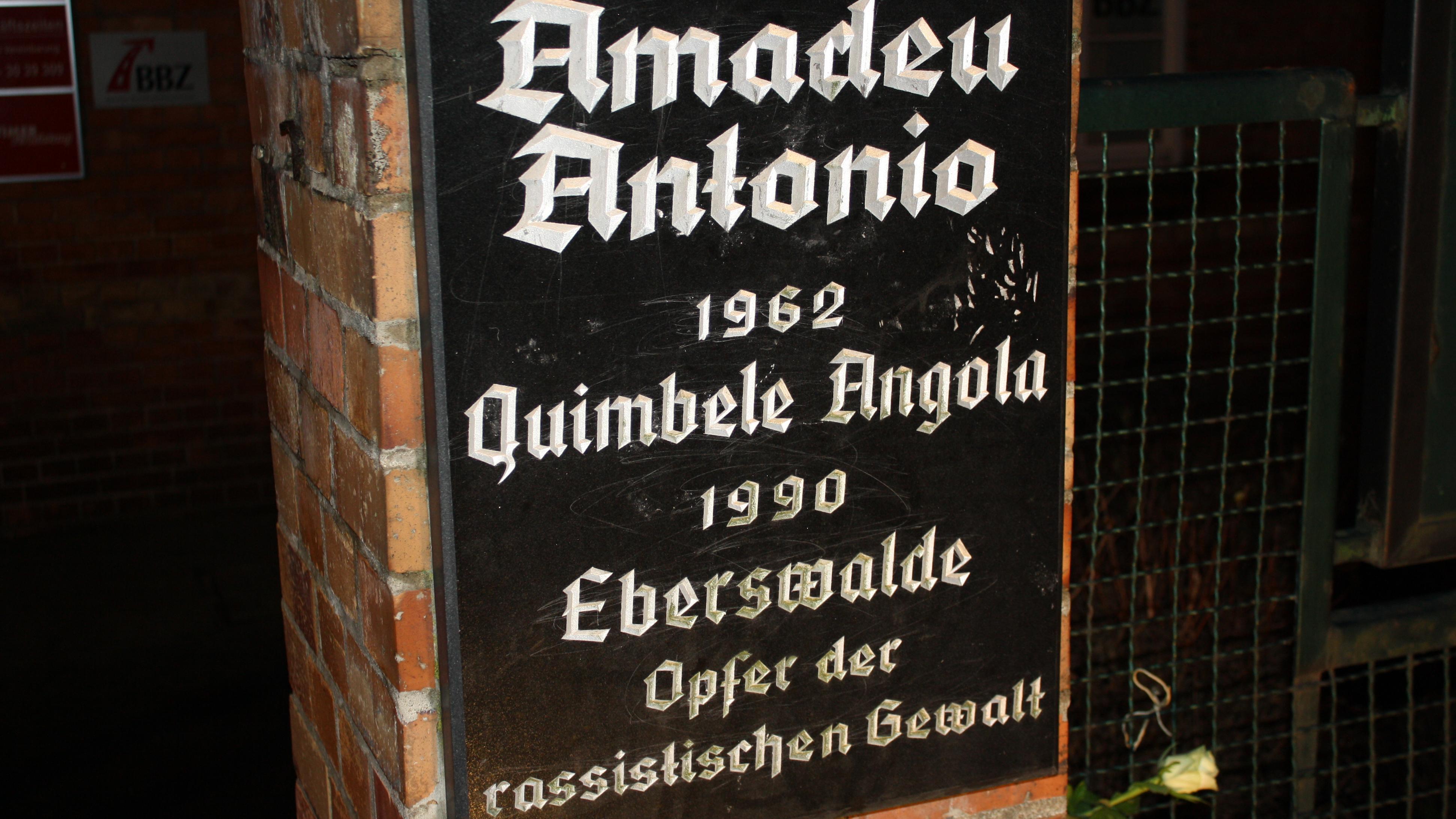 Amadeu_Antonio_Gedenktafel_16_9