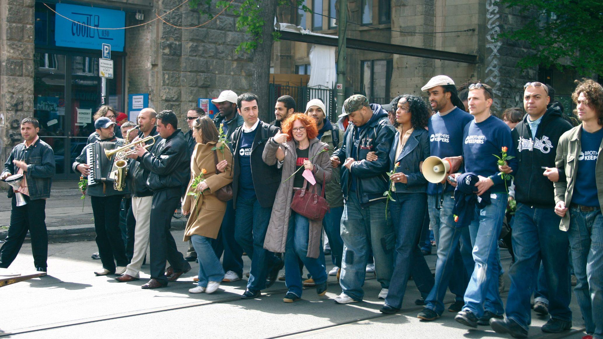 Demonstration-8.-Mai-2005-komprimiert