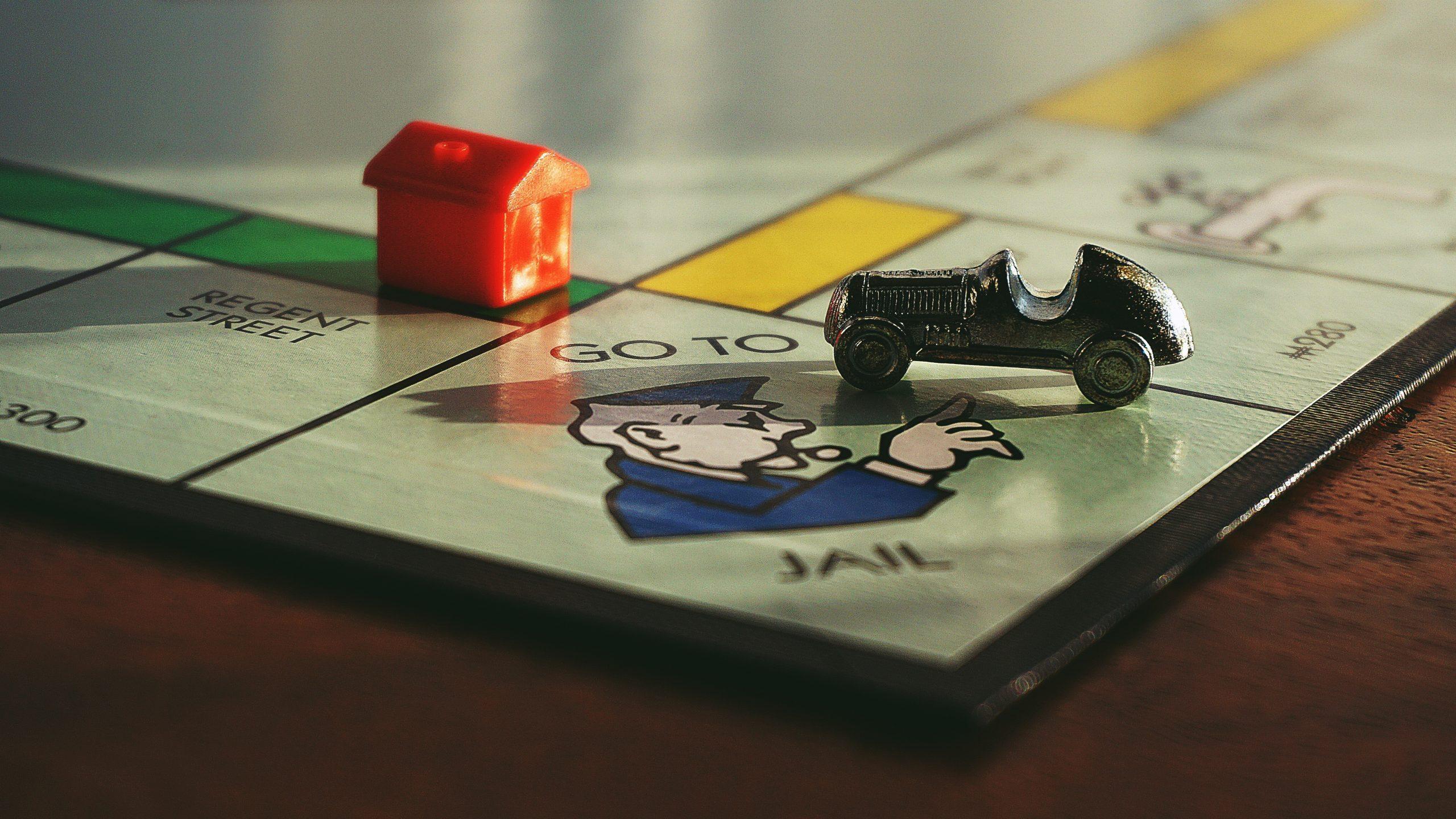 Monopoly-Prison-Foto von Suzy Hazelwood von Pexels