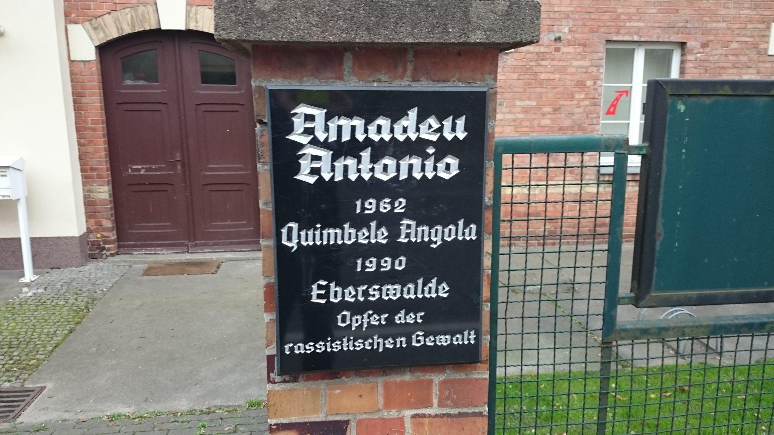 Amadeu Antonio Gedenktafel - Foto von Robert