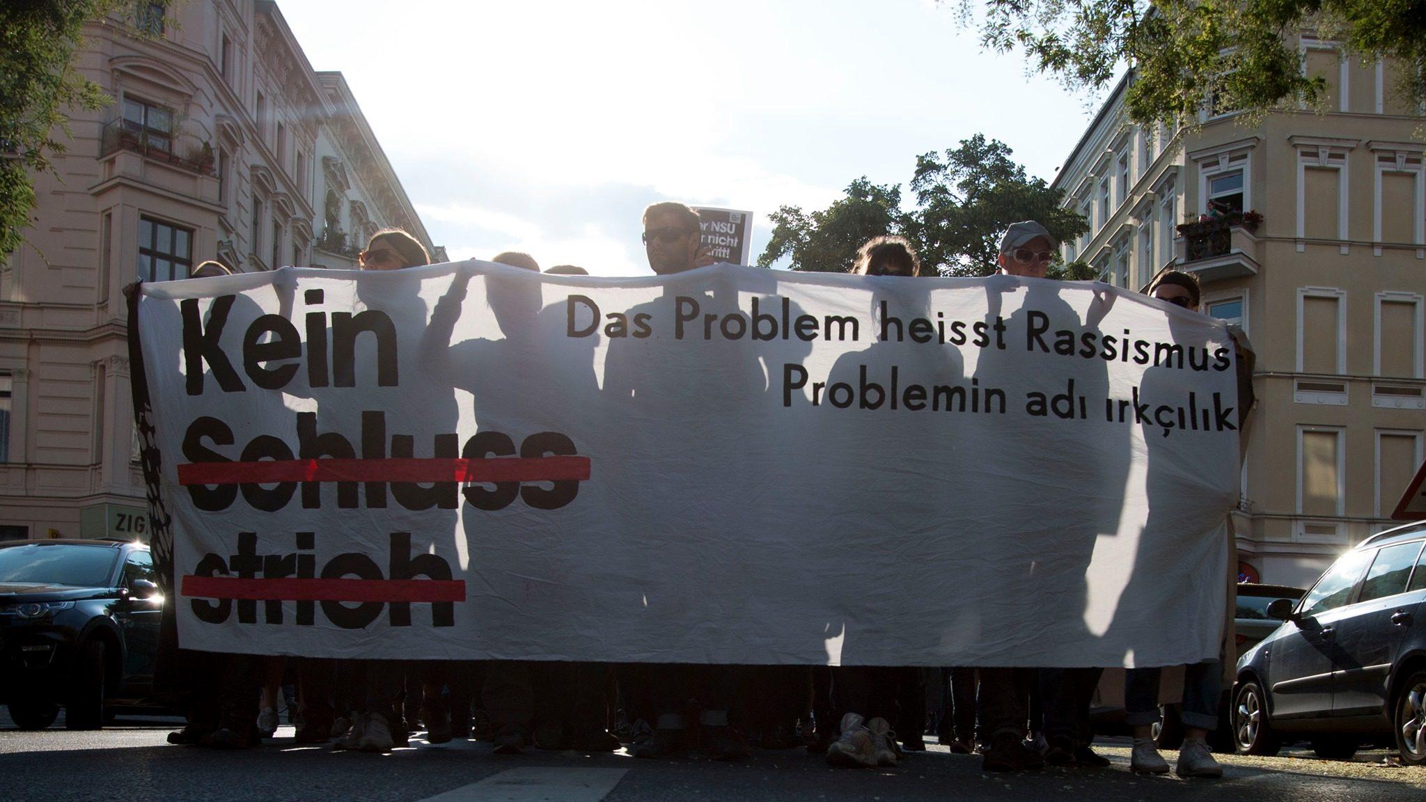 © Kein Schlussstrich - Demonstration zum Ende des NSU-Prozesses in Berlin, 11.07.2018, von Tim Lüddemann, Public Domain Flickr.
